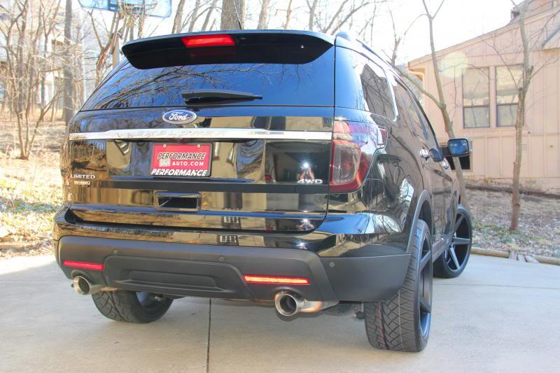 photo 4 Ford Explorer custom wheels KMC District 22x10.5, ET +28, tire size 285/35 R22. x ET
