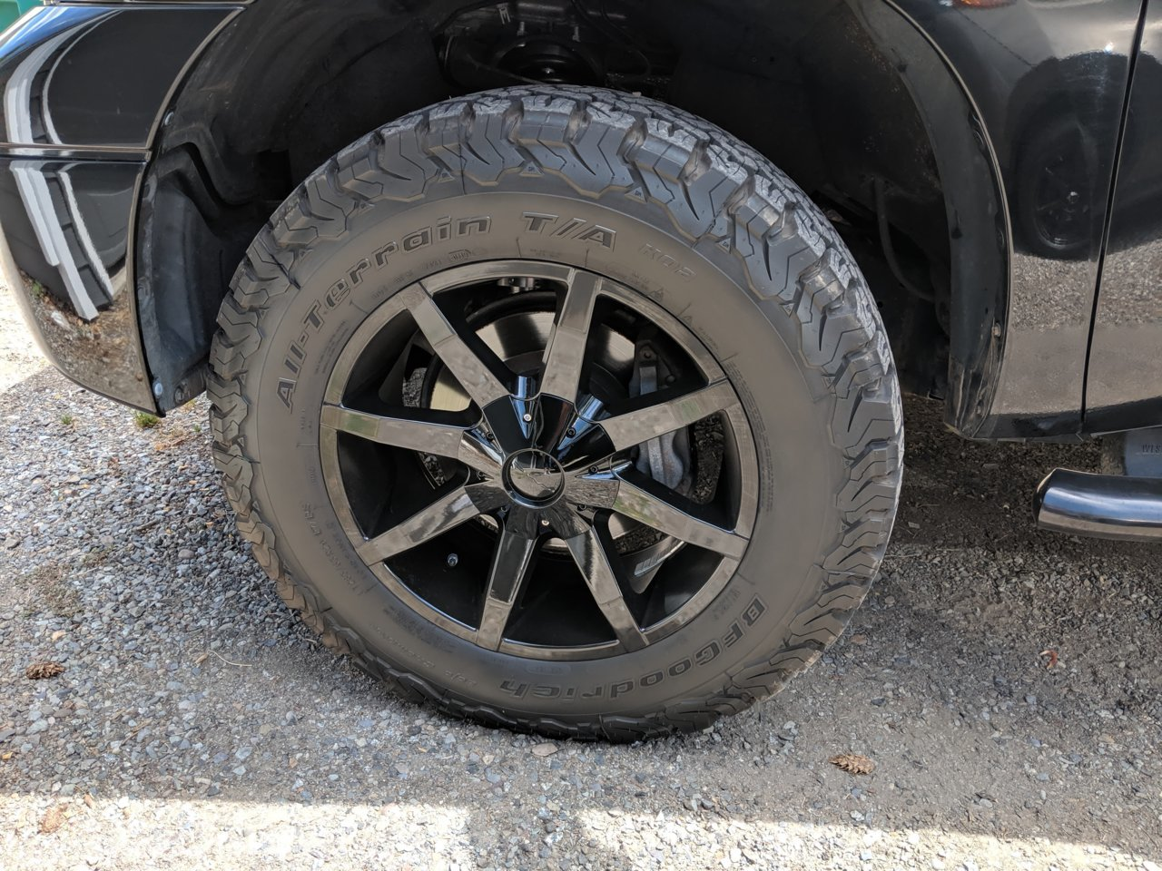 photo 2 Toyota Tundra custom wheels KMC  Slides x, ET -38, tire size 285/65 R. x ET