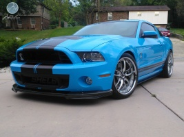 Ford Shelby GT500 tire size