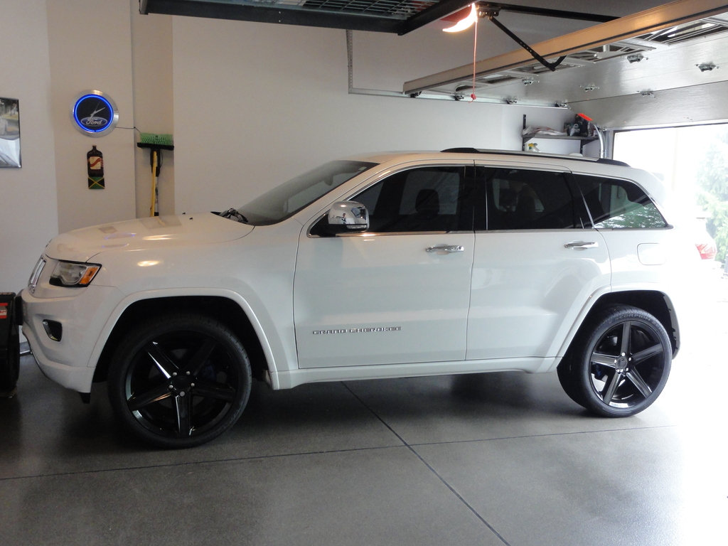 photo 1 Jeep Grand Cherokee custom wheels FR  22x10.0, ET , tire size 305/35 R22. x ET